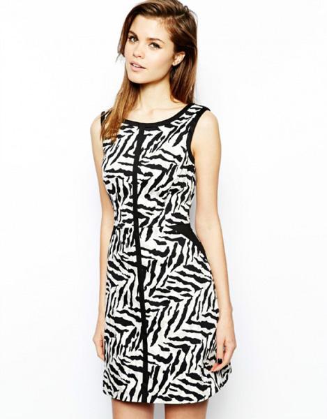 Короткое полосатое платье