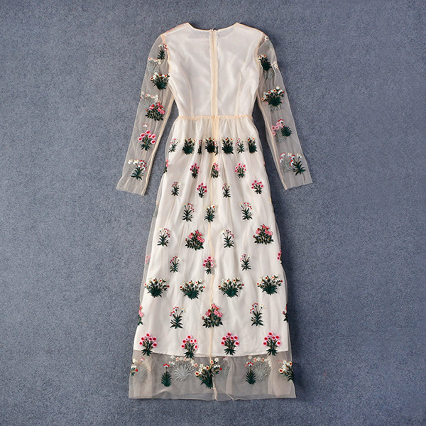 Бежевое платье валентино