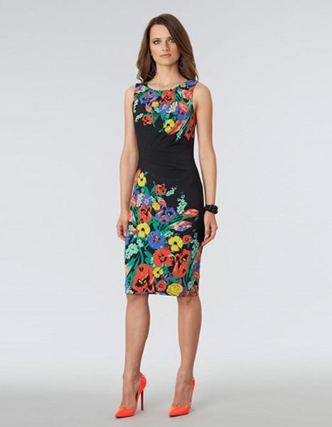 54cc17896a3a67c Облегающее чёрное платье с ярким цветочным принтом Anne Klein - на ...