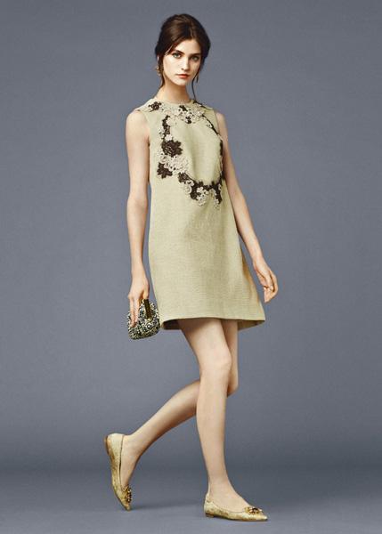 Льняное бежевое платье