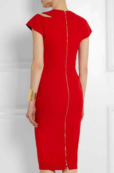 0f06bffb189 Красное платье-футляр с вырезом на плече Victoria Beckham - на сайте ...