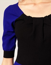 Черно-синее платье из трикотажа Karen Millen