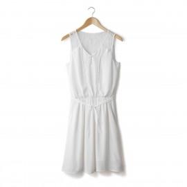 Платье без рукавов с кружевными вставками спереди и сзади