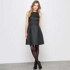 Платье с жаккардовым рисунком и американской проймой рукавов
