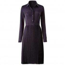 Платье со складками и длинным рукавом