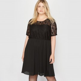 Платье с кружевным верхом. Короткие рукава