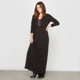 Платье длинное из трикотажа, пластрон с вышивкой