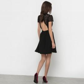 Платье с короткими рукавами и верхом из кружева