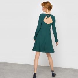 Платье из струящейся ткани