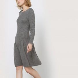 Платье из вязаного трикотажа с юбкой-годе