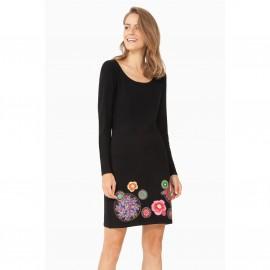 Платье с длинными рукавами и цветочным рисунком внизу