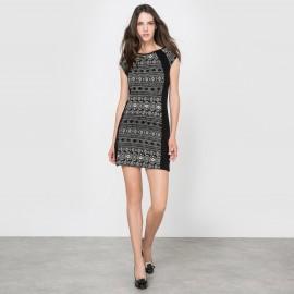 Платье облегающее без рукавов с рисунком