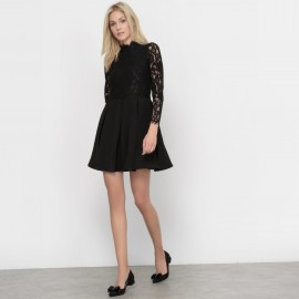 Платье с кружевными вставками