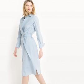 Платье однотонное длиной до колен с длинными рукавами