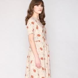 Платье с принтом, расширяющееся на поясе