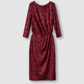 Платье из бархатистого материала с подпалинами