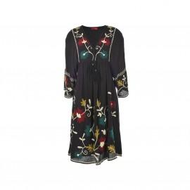 Платье с вышивкой Saga