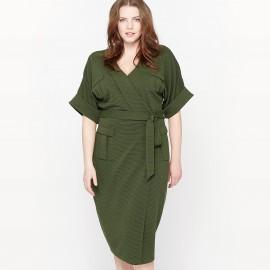 Платье в стиле милитари из рельефного трикотажа