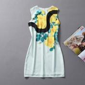 Нежно-голубое платье с ярким цветочным принтом Escada