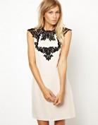 Свободное белое платье с черным кружевом Anne Klein