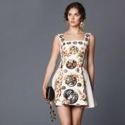 Легкое белое платье с оригинальным рисунком Dolce and Gabbana