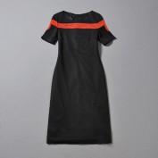 Соблазнительное черное платье с красной полосой Gucci