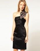 Чёрное коктейльное платье из атласа Asos