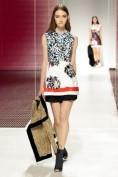 Короткое легкое летнее платье с цветочным принтом Christian Dior