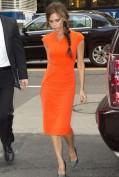 Повседневное оранжевое платье Victoria Beckham