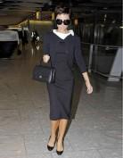 Черное платье с белым асимметричным воротничком Victoria Beckham
