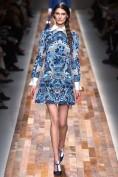 Синее платье с белым воротничком и манжетами Valentino