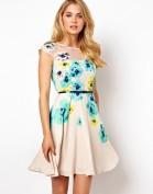 Романтичное платье с цветочным принтом и тонким поясом Coast