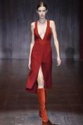 Бордовое платье с глубоким декольте Gucci