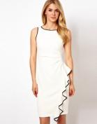Белое платье с модной каскадной драпировкой Coast