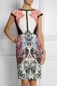Утонченное платье с неповторимым экзотическим рисунком Roberto Cavalli