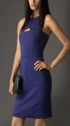 Практичное платье с открытыми спинкой и плечами Burberry