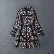 Черное шелковое платье с воротником-стоечкой Valentino