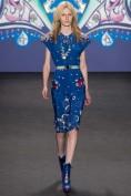 Легкое синее платье с вышивкой Alexander McQueen