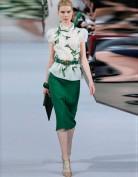 Изысканное зеленое платье Chanel