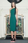 Элегантное зеленое платье на одно плечо Roland Mouret