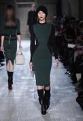 Повседневное зеленое трикотажное платье Victoria Beckham